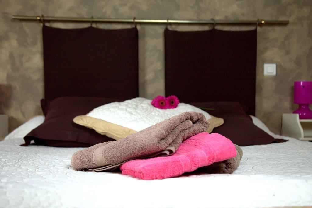 Linge de lit et de toilette fourni