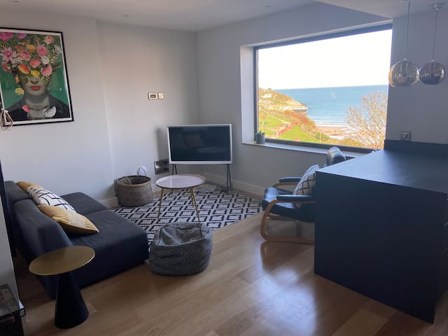 Beachside apartment in the centre of town