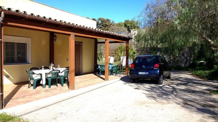 La Mandorla, Buseto Palizzolo; a home with a view.