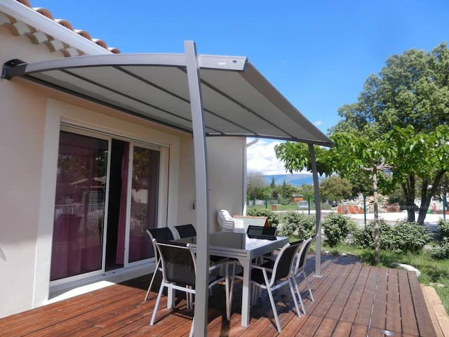 Maison  très ensoleillée avec piscine, Grillon - Grillon - Casa
