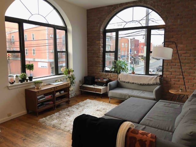 Beautiful Williamsburg Bedroom by McCarren Park