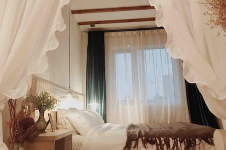【花栖】一室一厅一卫复古风,武昌站丁字桥附近,近黄鹤楼,音乐学院,张之洞路,理工南湖校区,书城路