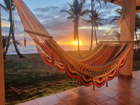 Caribbean getaway - house in front of the Ocean