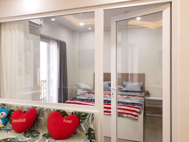 ONE BEDROOM, PHU MY HUNG AREA, DISTRICT 7