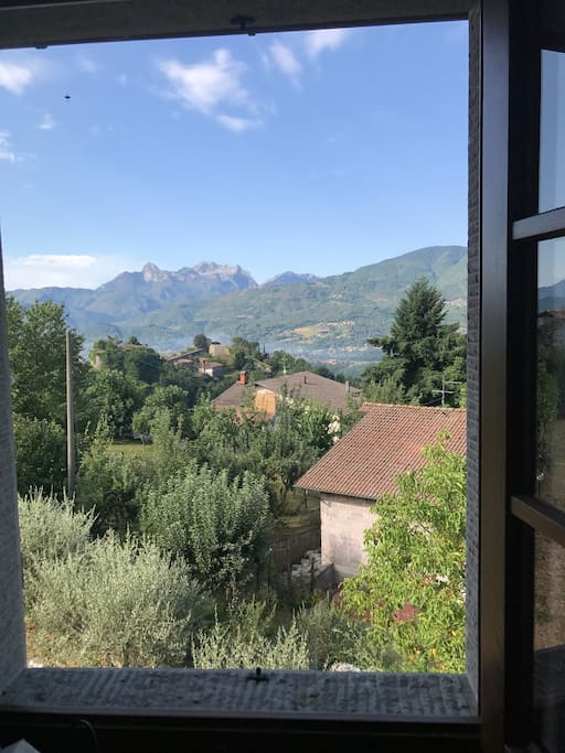 Vista sulle Alpi Apuane