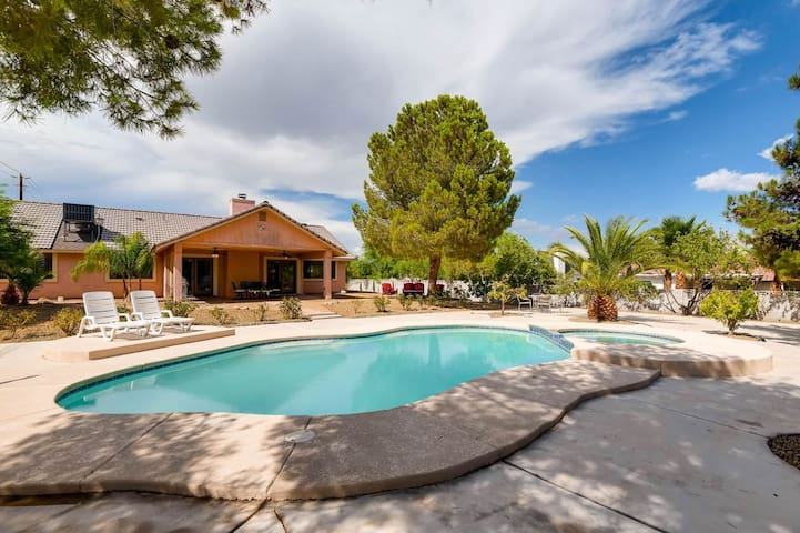 *SANITIZED* Viva Las Vegas! 4BR Luxury Home w/ Pool!
