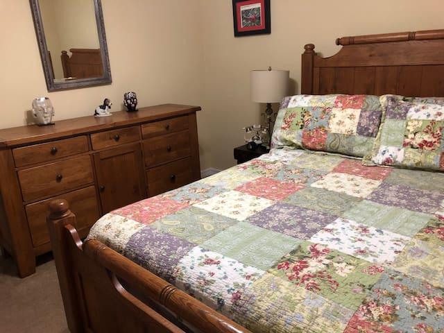 Private rooms, near Gulf Shores and Orange Beach,