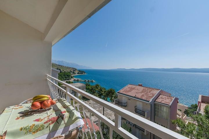 Studio Apartment, 200m from city center, seaside in Lokva Rogoznica, Balcony