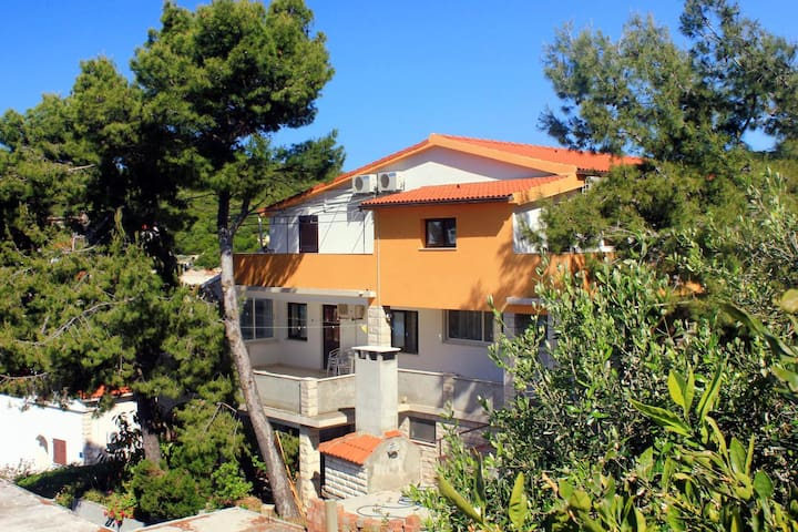 Studio flat with air-conditioning Zavalatica (Korčula) (AS-547-b)