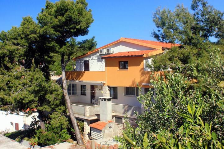 Studio flat with air-conditioning Zavalatica, Korčula (AS-547-b)