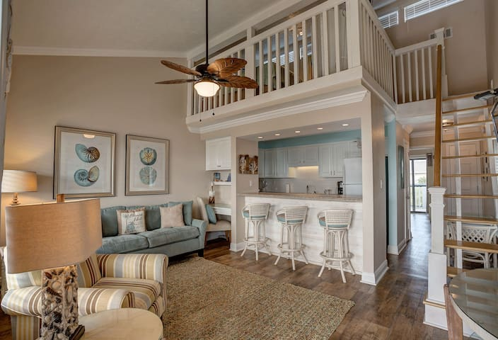 Panama Breeze!  Serene, Comfortable, & Affordable! - Panama City