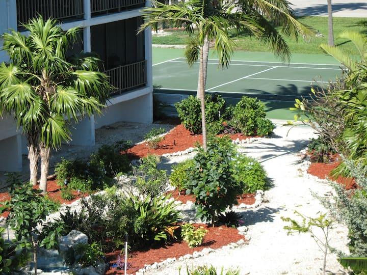 Paradise Garden View 1 bd, Lrg Pool OceanBeach #16