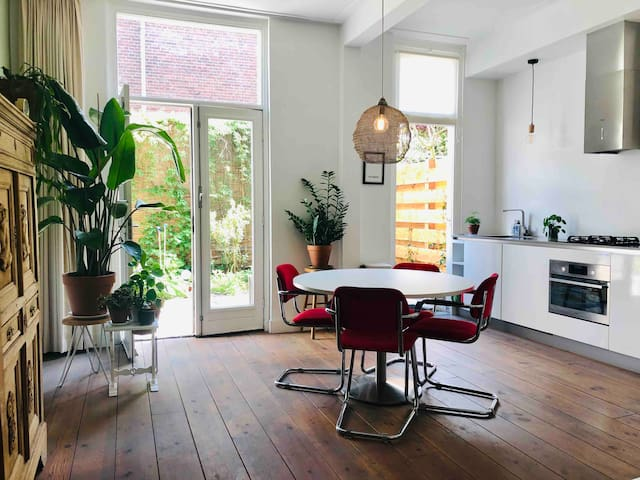 **Charming luxury apartment + garden in Utrecht**