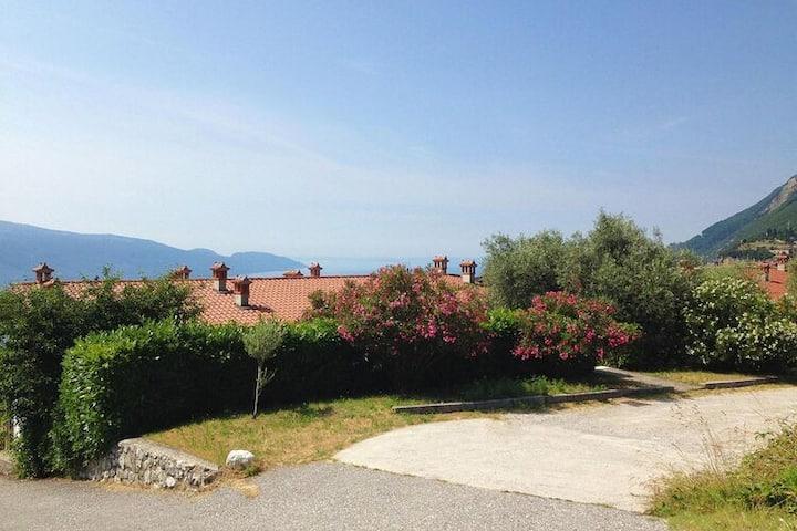 4 etoiles maison de vacances a Tignale