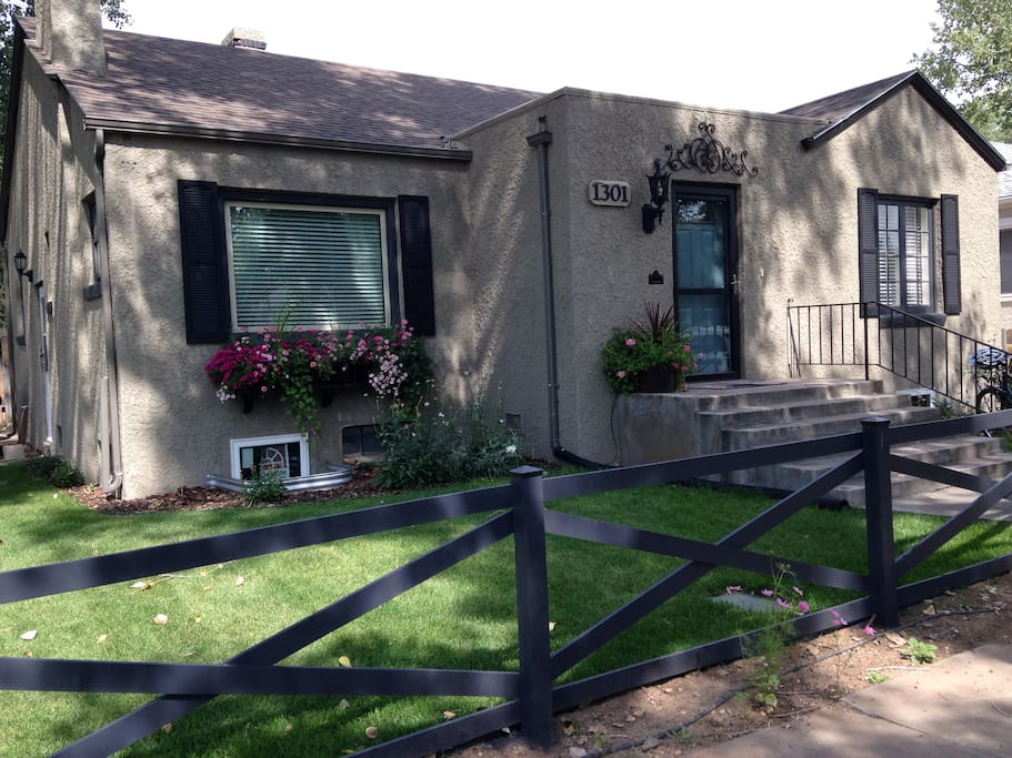 Cottonwood cottage houses for rent in laramie wyoming for Cottonwood house