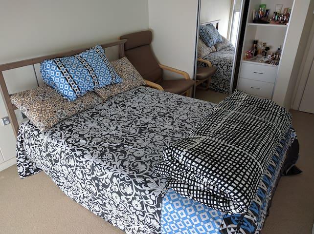 Private Bedroom and Bathroom - Rhodes - Lägenhet
