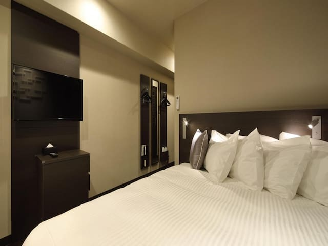 [5 mins on foot from Kamata Station's west gate] Sleep better with a Simmons bed! Double room with bathroom!