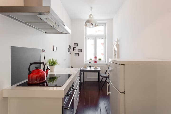 Nice flat | Metro & Tram 3min away | with WiFi - Wien - Apartment