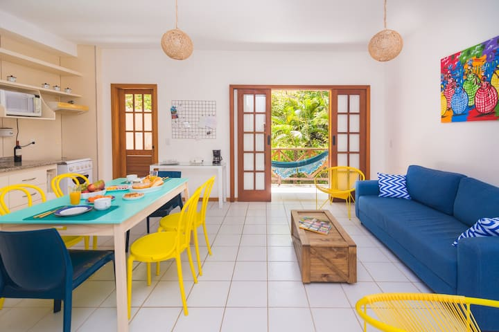 Bright, cute apt. in P do Forte - great location