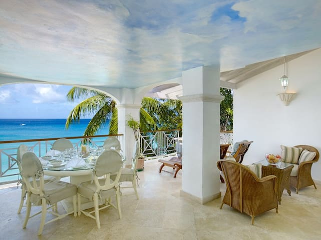 Old Trees 12 - Ideal for Couples and Families, Beautiful Pool and Beach - Holders Hill - Apartamento