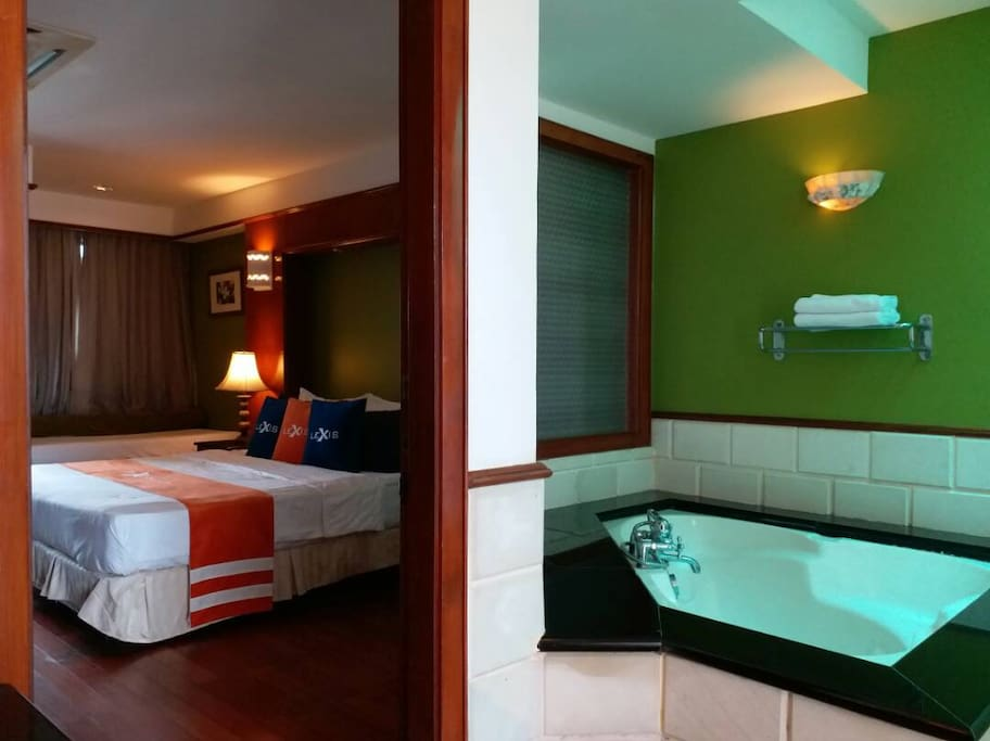 Bedroom and Jacuzzi