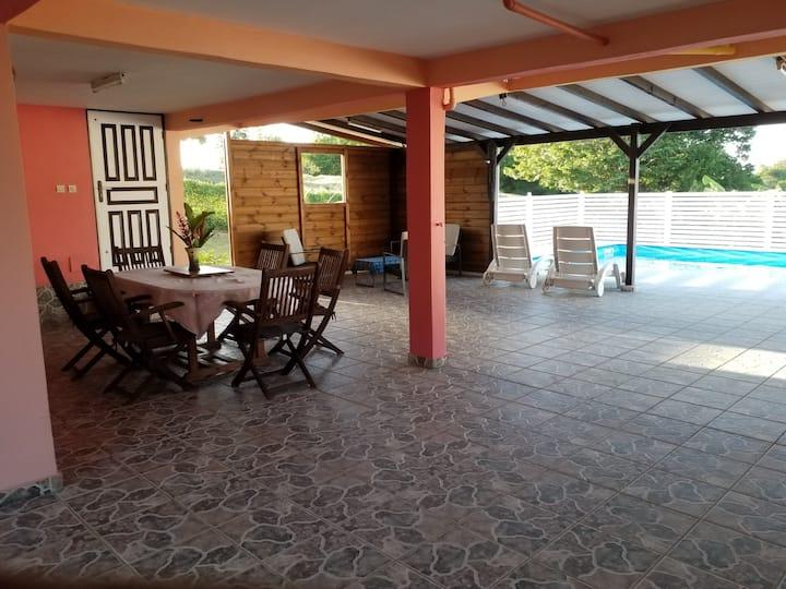 Bas de villa avec piscine individuelle