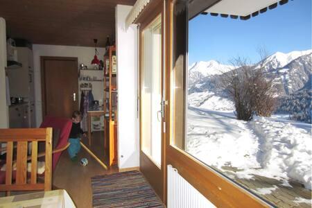 Sonnige, ruhige 3 Zi.-Ferienwohnung mit Terrasse