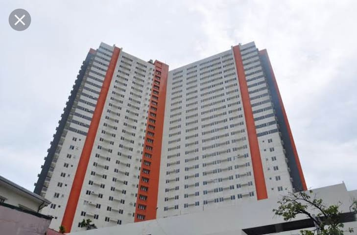 Cozy and accessible Condo @ the heart of Sta. Mesa