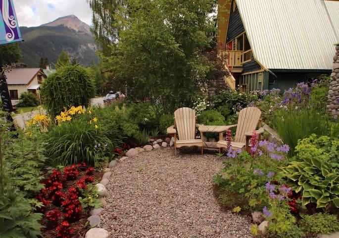 Beautiful garden for you to enjoy