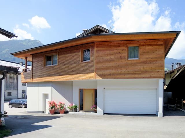 Beautifully designed apartment Nina with a view of the Ahornspitze, about 50 meters from the center
