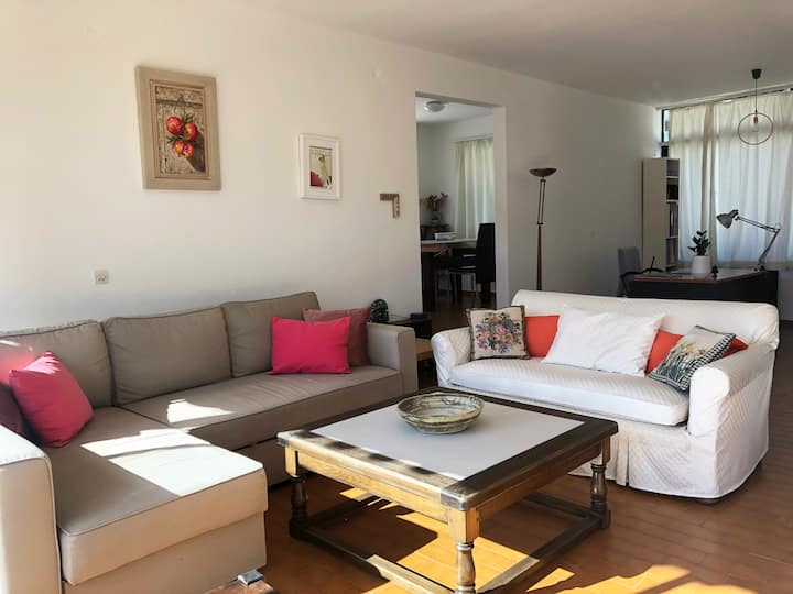 2 Bedroom Apartment in the center of Kifissia