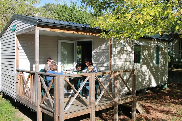 mobil home camping familial