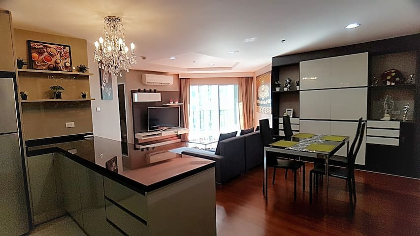 THE PRIVACY LUXURY SUITE :2BR2WC /MRT/POOL