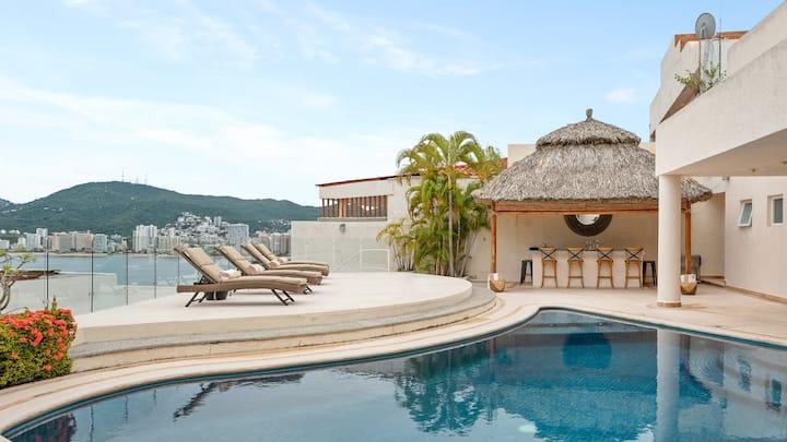 Espectacular casa y vista a la bahía en Guitarrón!