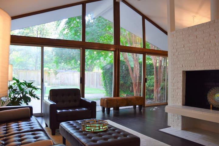 Amazing Mid Century Zen Charmer - Memphis - Rumah