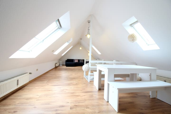 2 story loft apartment close to Cologne trade fair - Keulen - Appartement
