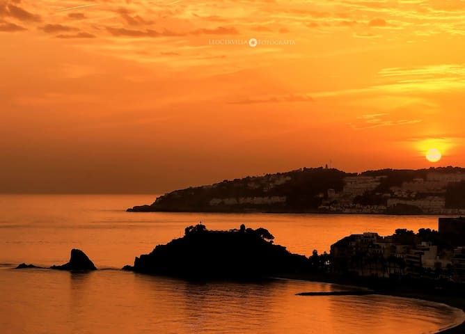 Enjoy a magical sunrise and sunset over the sea