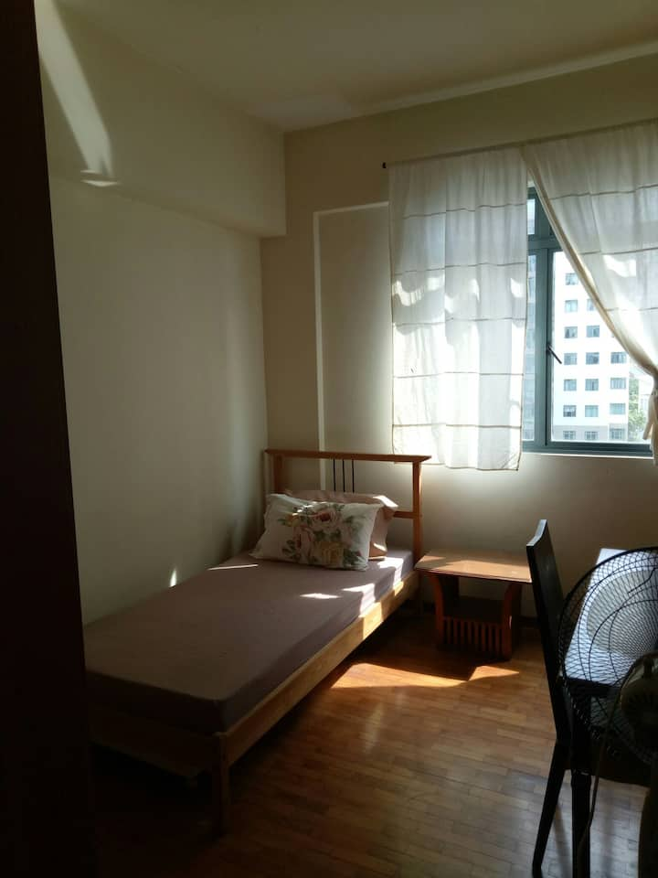 Comfortable Condo Room - Boon Lay MRT