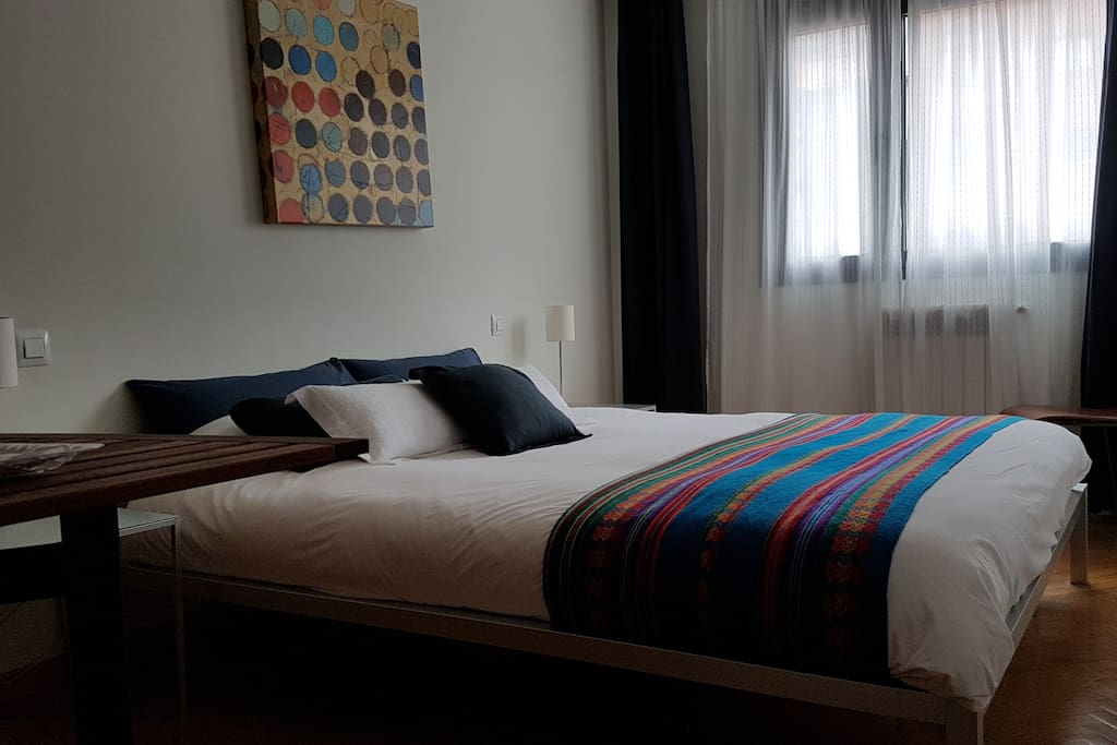 comfortable room with private bathroom bed and breakfasts for rent in madrid comunidad de. Black Bedroom Furniture Sets. Home Design Ideas