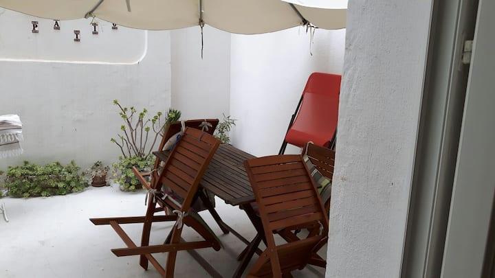 Loue loft avec patio, 5mn à pied des plages
