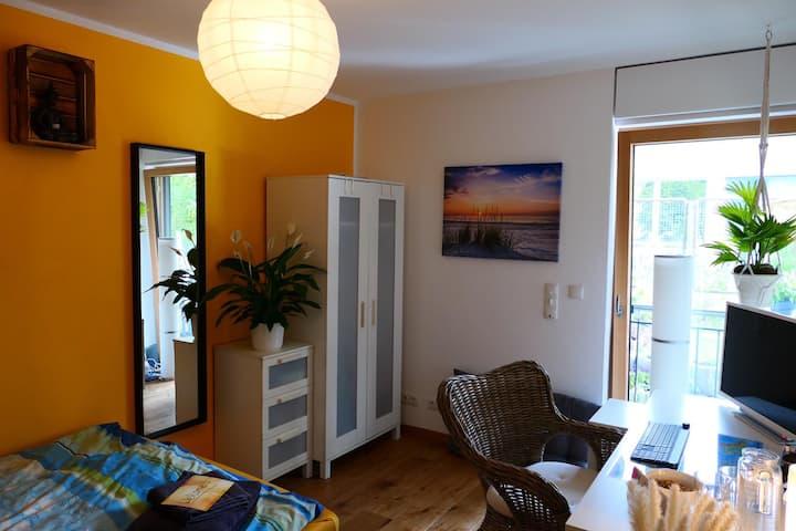 Ruhiges Zimmer München, Gartenblick, Nähe Isar
