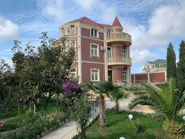 villa with a swimming pool and a waterfall, for Lux rest  вилла с басейн и водопадом , для лух отдых любителим