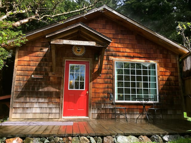 Popeye's Cottage in the Redwoods