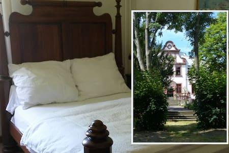 Herrenhaus Schmölen - Doppelzimmer / double rooms - Bennewitz - Hrad