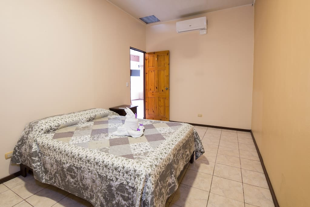 Bedroom 2 with double bed and A/C - Towels and bed linen included
