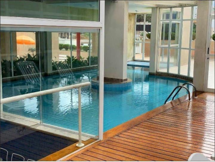 Duplex com piscina no centro de Poços de Caldas