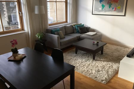 Spacious 2BR flat in great location
