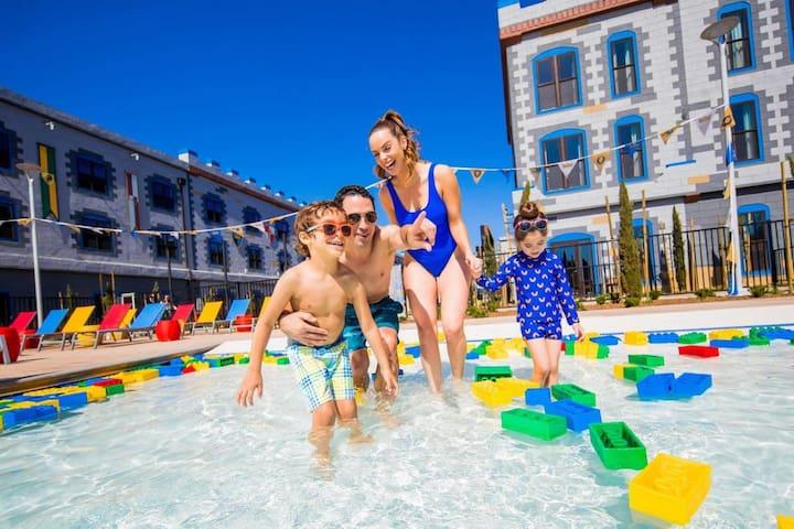 Family Vacay! LEGO Themed Unit, Pool, Restaurant