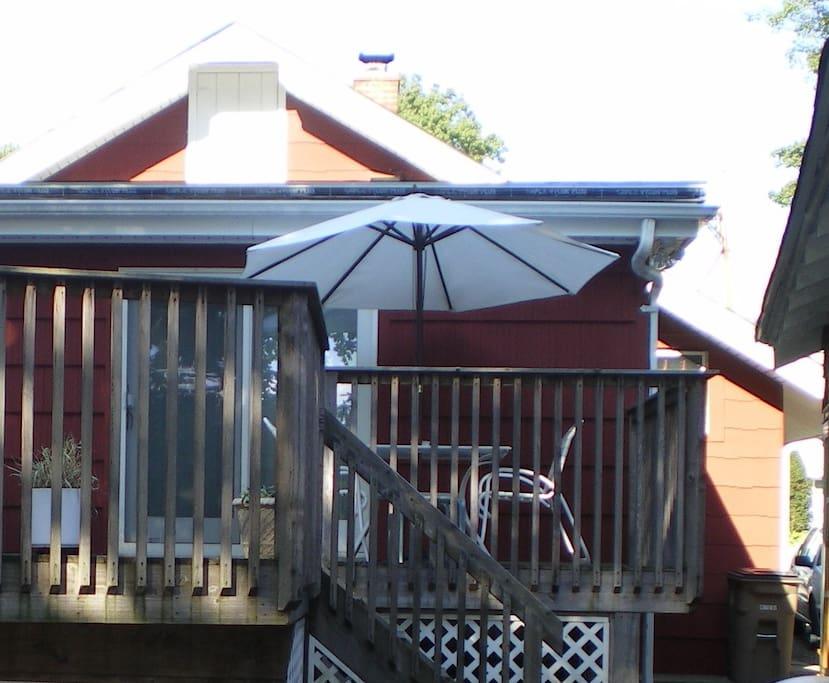 Private entance/furnished deck