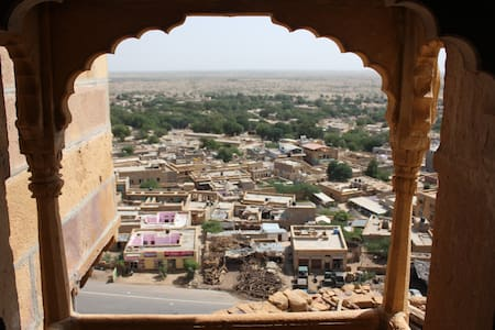 A 15th Century Stay with Sunrise/City View! - Jaisalmer - Autre